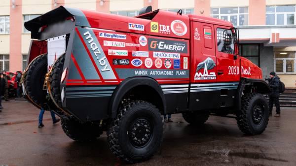 МАЗ представил новый гоночный грузовик для — Дакара